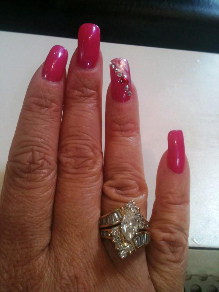 glitter-nail-by-heather-caylor