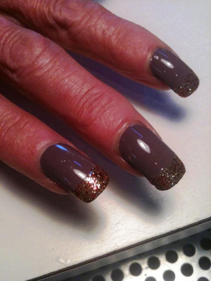 glitter-tipped-nails
